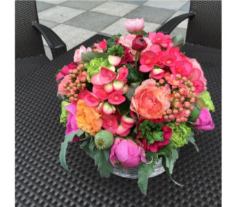BRIGHT EASTER CENTERPIECE  in Bellevue WA, CITY FLOWERS, INC.