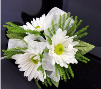 Daisy Corsage in Burnsville MN, Dakota Floral Inc.
