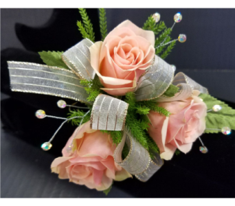 Simple Sweetheart Rose Corsage in Burnsville MN, Dakota Floral Inc.