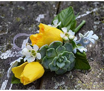 Lemon Drop Boutonniere in Indianapolis IN, Gillespie Florists
