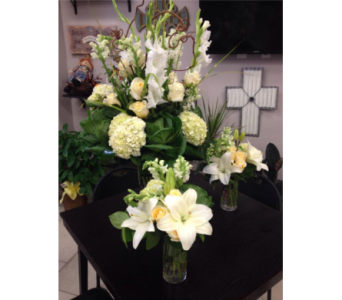 White and Cream for the Fairfield in Lubbock TX, House of Flowers