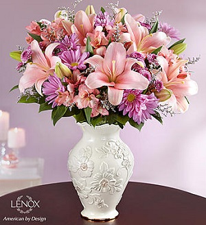 Mother's Love in Lenox in Mount Morris MI, June's Floral Company & Fruit Bouquets
