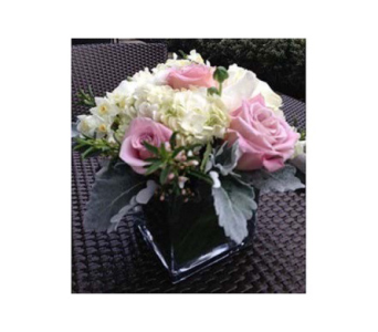 NEW MOM BOUQUET in Bellevue WA, CITY FLOWERS, INC.