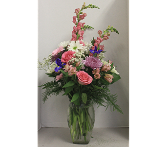 To Mom With Love Deluxe in Lewistown PA, Deihls' Flowers, Inc