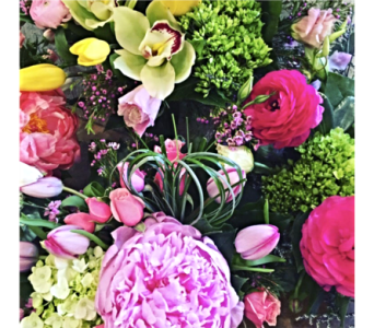 Mother's Day Mixes by The Flower Shoppe in Reading MA, The Flower Shoppe of Eric's