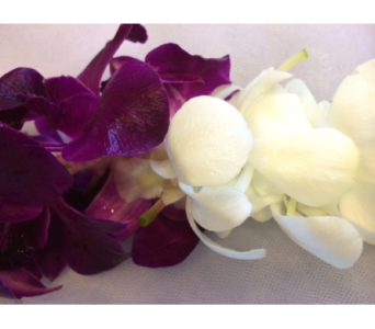 White Dark Purple Lei in Sunnyvale CA, Flowers By Sophia