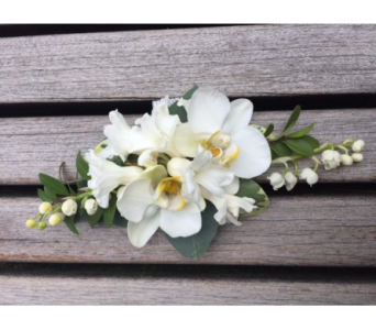 Corsage in Bellevue WA, CITY FLOWERS, INC.
