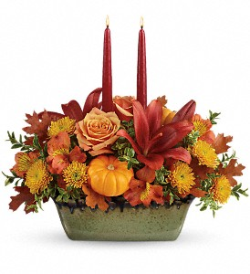 Teleflora's Country Oven Centerpiece in Murrells Inlet SC, Callas in the Inlet