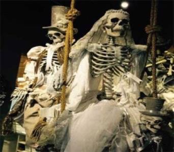Mark Roberts Life Size Bride Groom Skeletons in Bellevue WA