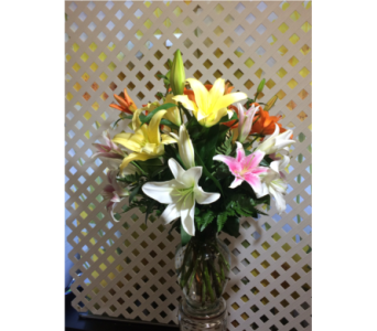 Lovely Lilies in Manhasset NY, Town & Country Flowers