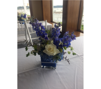 Wedding Cube in Manhasset NY, Town & Country Flowers