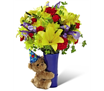 The FTD� Big Hug Birthday Bouquet  in San Antonio TX, Dusty's & Amie's Flowers