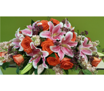 Custom Sympathy Design in Swift Current SK, Smart Flowers