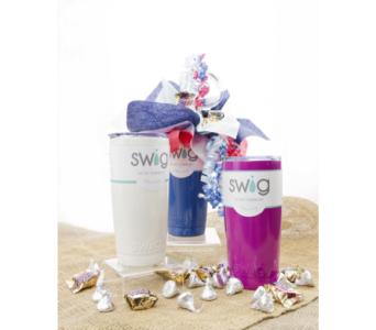 Swig Candy Bouquet 20 ounce in Lebanon TN, Sunshine Flowers