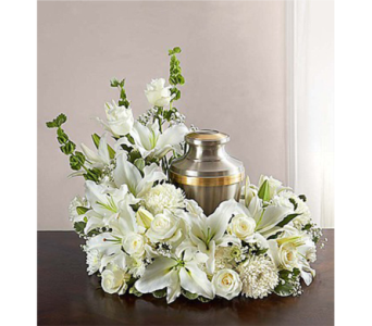 Cremation Wreath - All White dans Watertown CT, Agnew Florist