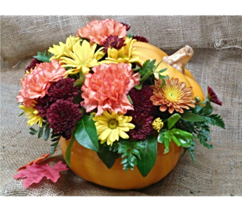 Ceramic Pumpkin Centerpiece in Skowhegan ME, Boynton's Greenhouses, Inc.