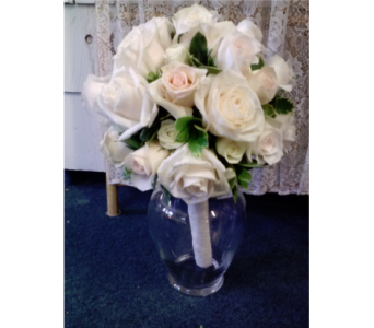 Light Peach Roses and Mini roses in Freehold NJ, Especially For You Florist & Gift Shop