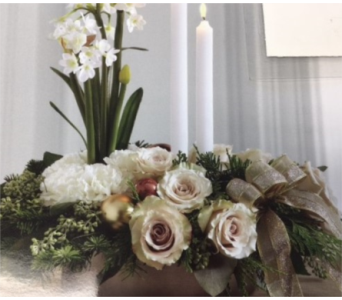 Elegant Centerpiece in Anchorage AK, Flowers By June