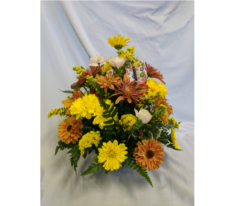 Simple Gathering Centerpiece in Edgewater FL, Bj's Flowers & Plants, Inc.