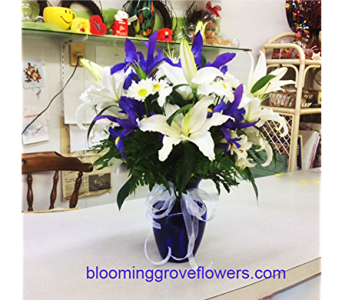 BGF2239 in Buffalo Grove IL, Blooming Grove Flowers & Gifts