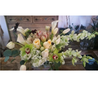 Winter white in Orinda CA, Misaghi Design Orinda Florist