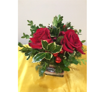 Merry And Bright   in Massapequa Park NY, Bayview Florist & Montage  1-800-800-7304