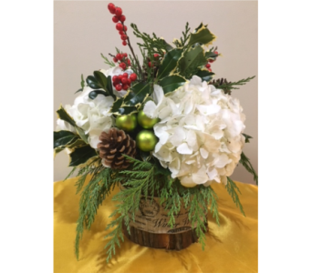 Woodland Christmas   in Massapequa Park NY, Bayview Florist & Montage  1-800-800-7304