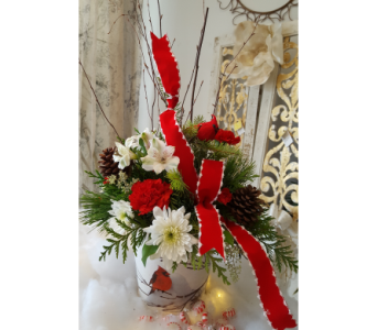 CHRISTMAS CARDINAL in The Villages FL, The Villages Florist Inc.