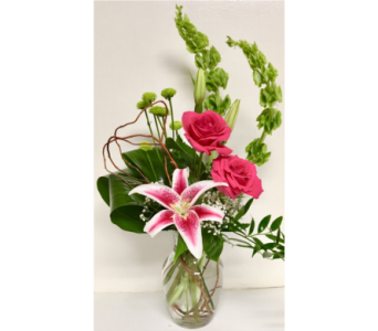 Hot and Fresh Vase Arrangement - One-sided Design in Wyoming MI, Wyoming Stuyvesant Floral