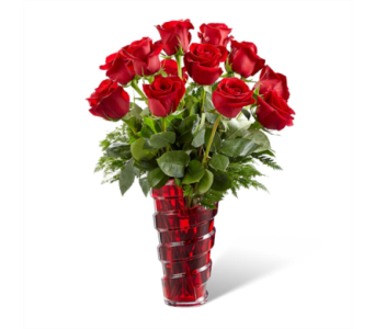 The FTD� In Love with Red Roses� Bouquet in Des Moines IA, Doherty's Flowers