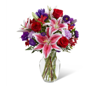 The FTD� Stunning Beauty� Bouquet in Des Moines IA, Doherty's Flowers