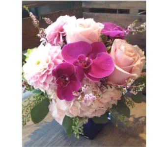Dreamy in Thornhill ON, Wisteria Floral Design