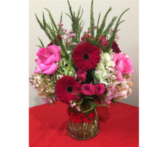 Endless Love in Massapequa Park NY, Bayview Florist & Montage  1-800-800-7304