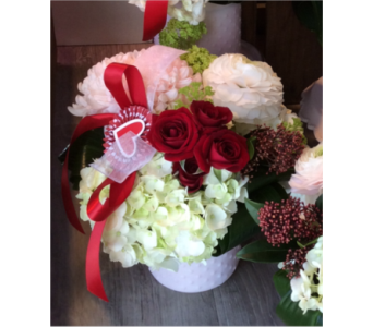 Sweet Heart in Thornhill ON, Wisteria Floral Design