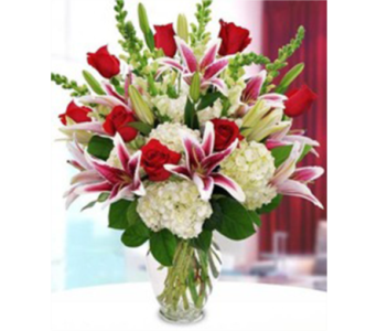 Passionate Love Bouquet in St. Petersburg FL, Artistic Flowers