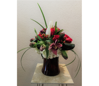 Sophisticated Romance in Arcata CA, Country Living Florist & Fine Gifts