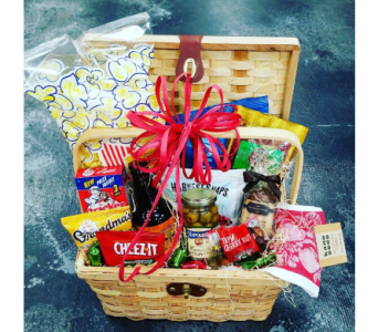 Large Holiday Basket in Yakima WA, Kameo Flower Shop, Inc