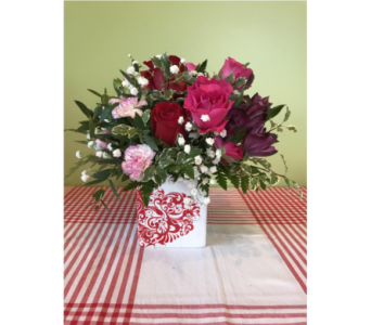 Cupid's Delight in Elizabeth City NC, Mildred's Florist Shop