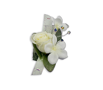 Simple Elegance Boutonniere in Chesterton IN, The Flower Cart, Inc