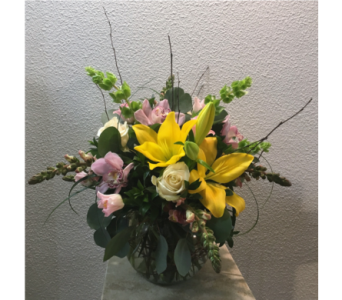 Elegant Spring  in Arcata CA, Country Living Florist & Fine Gifts