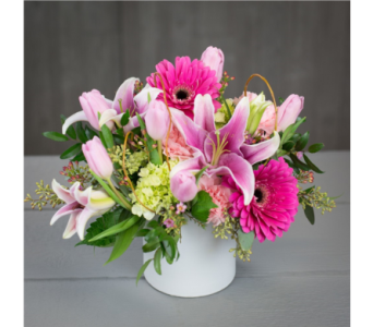 Blushing Beauty in Gaithersburg MD, Flowers World Wide Floral Designs Magellans
