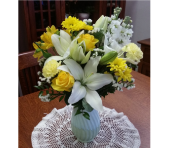 Gorgeous Floral Arrangements in Grand Rapids MN, Shaw Florists