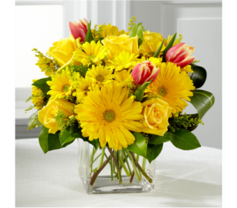 The FTD Spring Sunshine Bouquet in Southfield MI, Thrifty Florist