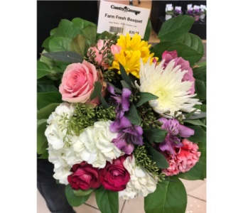 Farm Fresh Bouquet  in Moorhead MN, Country Greenery