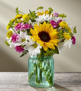 The Sunlit Meadows� Bouquet in Sapulpa OK, Neal & Jean's Flowers & Gifts, Inc.