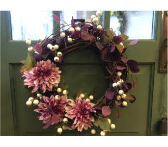 Dahlia Wreath  in Mount Kisco NY, Hollywood Flower Shop