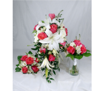 NF-Coral Cascade w-bridesmaids in Naples FL, Naples Flowers, Inc.