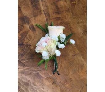 Blush Pink Spray Rose Boutonniere in Wellington FL, Wellington Florist