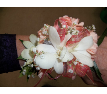 PROM CORSAGE in Waukesha WI, Flowers by Cammy