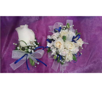 Corsage and Boutonniere Combo in Gaithersburg MD, Mason's Flowers